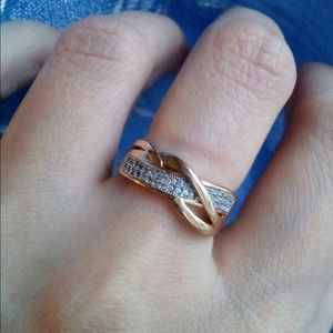 Gold Ring : size 6